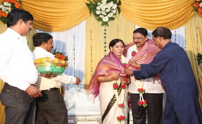 Mrs Sharada & Mr. Manjunath Devadiga Maranakatte Celebrated 25th Wedding Anniversary